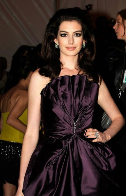 anne-hathaway-cig-549-1_preview