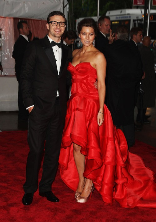 jessica-biel-versace-dress-met-gala-2009-1