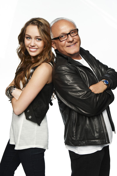 Behind The Scenes: Miley Makes a Commercial Miley-cyrus-max-azria_fa